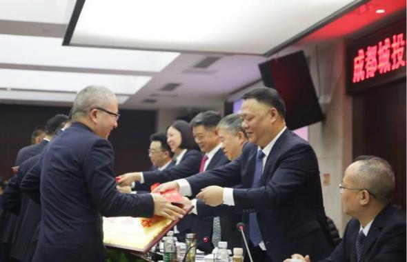 集团2019年工作总结暨先进表彰大会胜利召开1_meitu_11.jpg