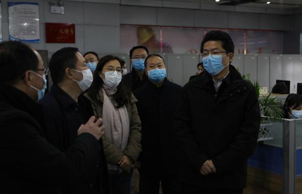 """成都燃气为医院紧急改管开通,为""""战疫""""加气5_meitu_9.jpg"""