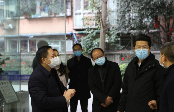 """成都燃气为医院紧急改管开通,为""""战疫""""加气5_meitu_10.jpg"""